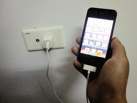 Một chiếc iphone có thể tiêu thụ điện bằng 2 chiếc tủ lạnh Inverter