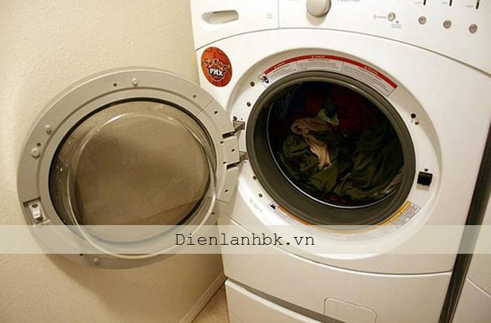 Xử lý ngay sự cố được phát hiện khi tự bảo dưỡng máy giặt tại nhà 1